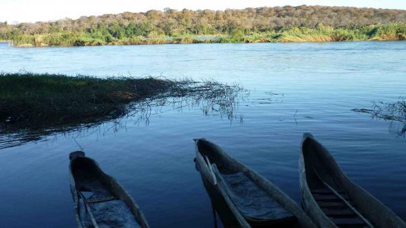 rio Zambeze em frente ao Zimbabué, foto de Rosa Spaliviero