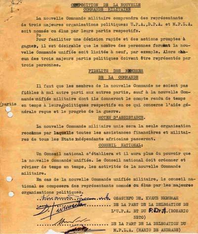 Última página do Acordo de Princípio entre organizações angolanas, assinado sob a égide de Nkrumah (6-6-1962). David Livromentos, do Partido Democrático Angolano (PDA ), assinou por Rosário Neto. O PDA e a UPA tinham formado a FNLA em Março de 1962 e Livromentos era presidente do seu Conselho Nacional. Faleceu de doença em Outubro desse ano.