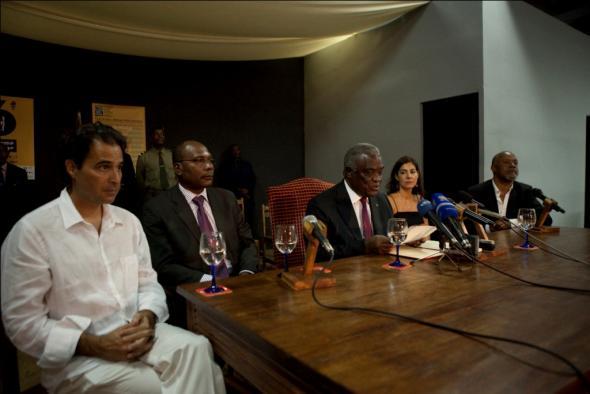 Agualusa, presidente  de S. Tomé - Manuel Pinto da Costa, Adelaide Ginga e João Carlos Silva