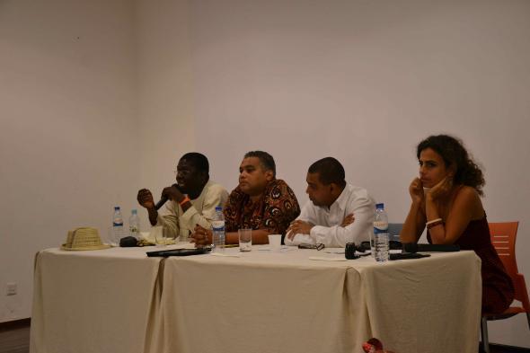 o moçambicano Ungulani Ba Ka Khosa, o guineense Waldir Araújo e o caboverdiano Filinto Elísio, Marta Lança, foto de Miguel Ribeiro