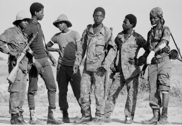 soldados da frente sul, fotografia de Clive Limpkin