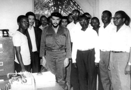 Ché visita escritório do MPLA 1976