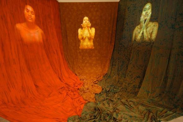 Ingrid Mwangi, Dressed Like Queens, 2003