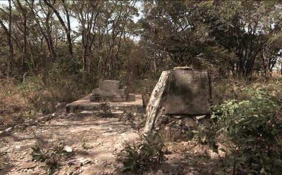 Túmulo do Hoji Ya Henda, Moxico (Caripande). ATD/G80