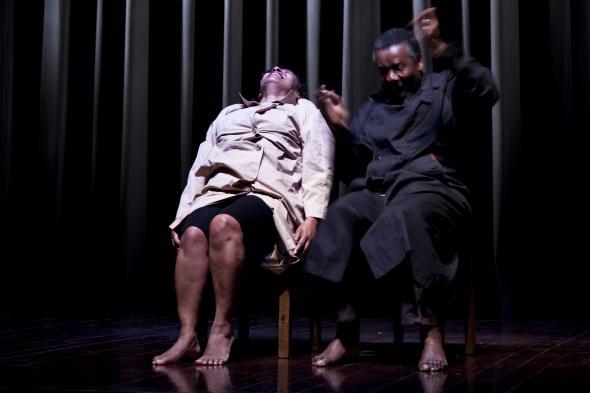 Ensaio de 'Confissões de um Terrorista Albino' com o Teatro Griot