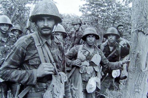 Soldados cubanos, fotografia de Ernesto Fernandez