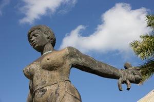 Estátua de Carlota