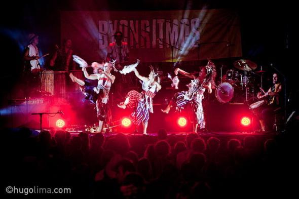 Espetáculo do grupo Semente. Foto Hugo Lima.