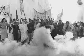 'Batalha de Argel' (1966), de Gillo Pontecorvo com Jean Martin, Yacef Saadi, Brahim Hadjadj, Fusia El Kader.