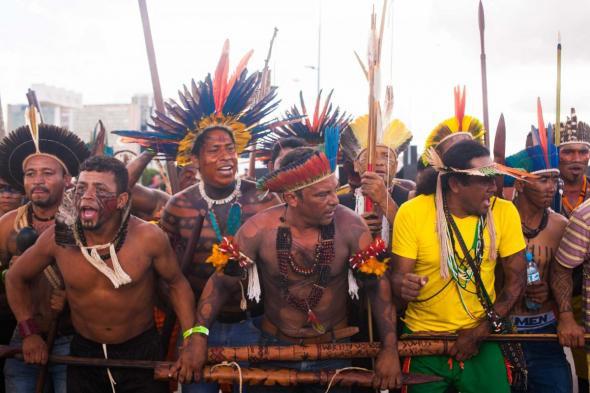 Marcha, 14º Acampamento Terra Livre (ATL) em Brasília, 24 ao 28 de Abril de 2017, reunindo mais de 4 mil indígenas, foto Júlia Mente/MNI.