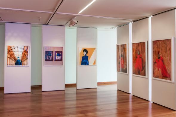 Being Her(e), Galeria do Banco Económico, Luanda, 2017-2018. Cortesia de TINAWC. Foto Rui Tavares.