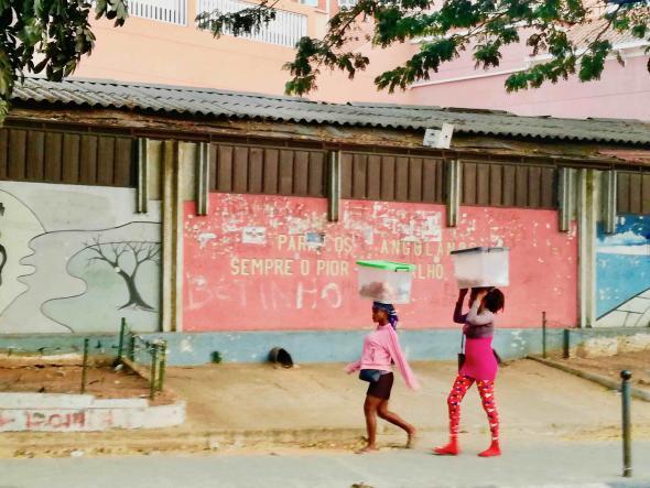 zunga em Luanda, fotografia de Marta Lança