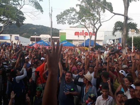 Asamblea de desplazados foto de Georgina Garibo