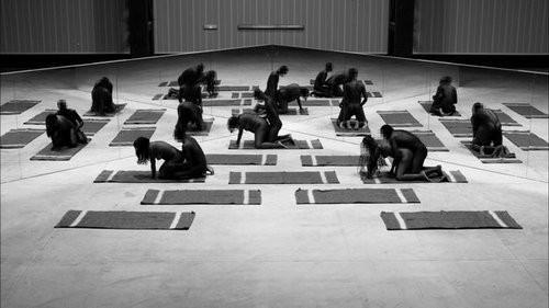 Santiago Sierra Acto 5, 2008 black and white photograph