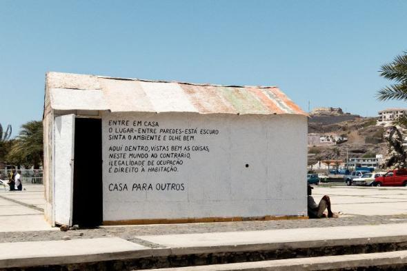 Casa para outros (instalação Ocupações) | 2013 | Diogo Bento (cortesia do artista)