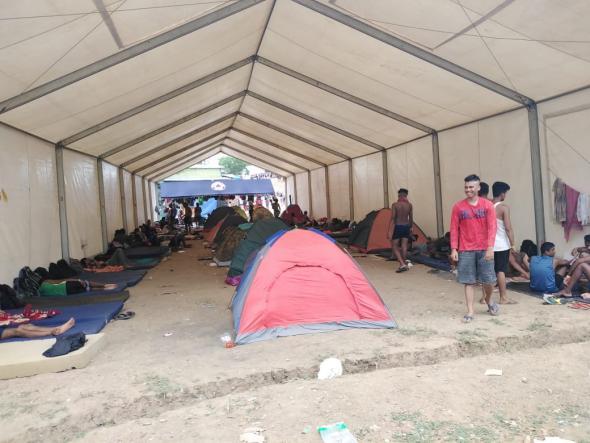 Raúl Araúz, Barracão para acolher migrantes em La Peñita