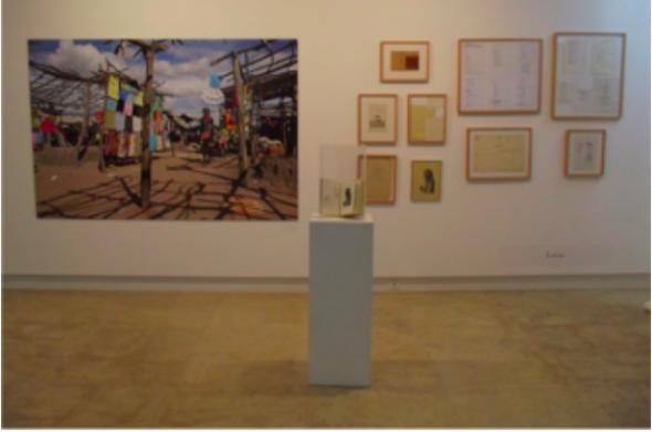 Fig 12 Kiluanji Kia Henda, Kixima Remix, 2008, fotografia. Ruy Duarte de Carvalho, Lavra, Poesia Reunida 1970-2000, 2005, e desenhos e esboços de poemas.