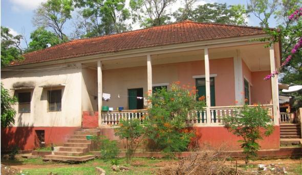 Fotografia atual da casa onde Cabral e Maria Helena viveram na Granja de Pessubé