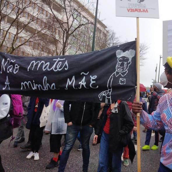 Manifestação anti-racista de homenagem a Cláudia Simões agredida em janeiro 2020 (foto de Marta Lança)