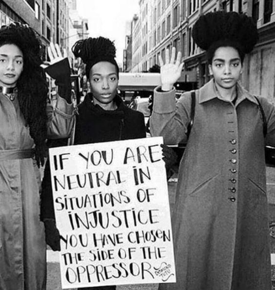 cartaz sobre resistência em protesto