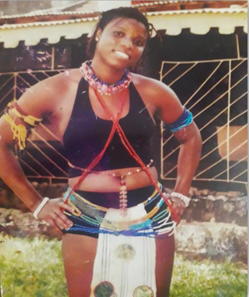 Amélia da Silva, no Carnaval de 2001, em Bissau.