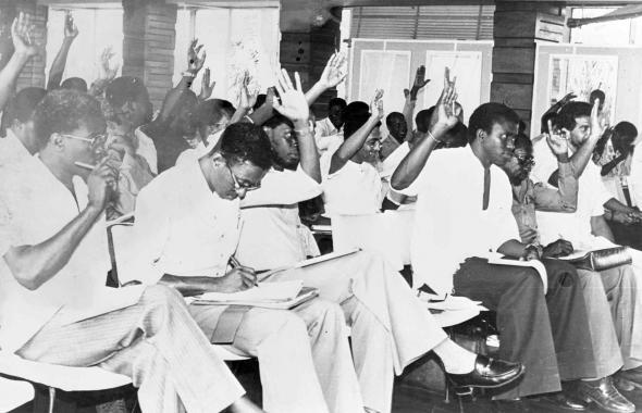 Reunião de quadros do PAIGC, distinguindo-se Francisco Bá [Chico Bá], José Pereira, Fidelis Cabral de Almada, Manuel Santos e Manuel Boal. 1963 - 1973