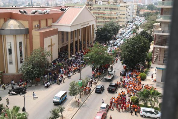 IURD em Luanda - foto de Carlos Oliveira Reis