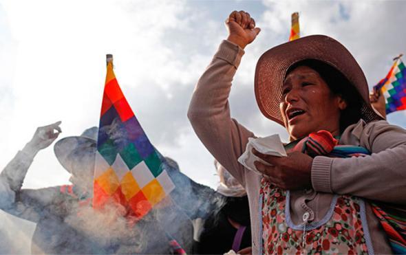 Os indígenas bolivianos em luta nas ruas da Bolívia contra o que dizem ser o governo golpista de Jeanine Áñez (PCR)