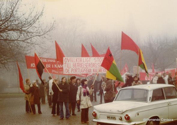 Manifestação de protesto contra o assassinato de Amílcar Cabral. Lund, Suécia, Janeiro de 1973. Organizada pelo Comité de Desertores Portugueses de Malmö e Lund.