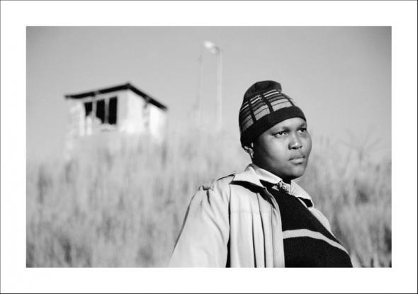Busi Sigasa, Braamfontein Johannesburg 2006 from the series Faces and Phases.