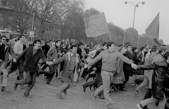 Manifestação de estudantes em Paris, Abril de 1968.