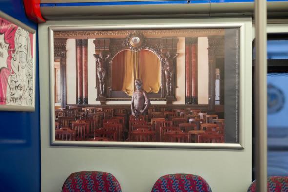KiluanjiKia Henda; A Sina de Otelo (Act. I, II, III, IV e V); 2013; Instalação em comboio da CP - linha de Sintra; Impressão digital sobre papel. ©Teresa Santos