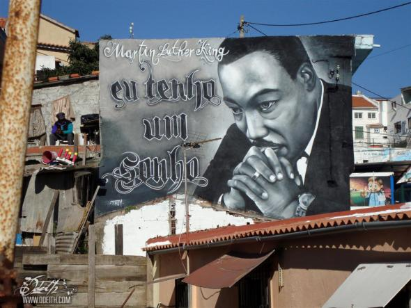 Tributo a Martin Luther King, obra de Odeith. Cova da Moura.