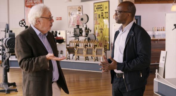 O diretor da Cinemateca, José Manuel Costa, e o ator Ângelo Torres. Imagem de Ar de Filmes.