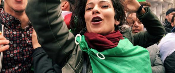 A jovem ativista Nardjes no documentário Nardjes A. / Foto de divulgação