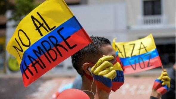 Décadas de desigualdade social acenderam os protestos na Colômbia (BBC)