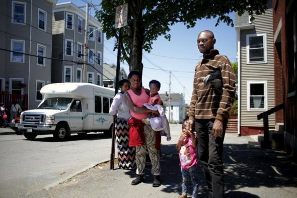 Portland Press Herald (Ben McCanna) - Família da República Democrática do Congo chega a Portland, Maine