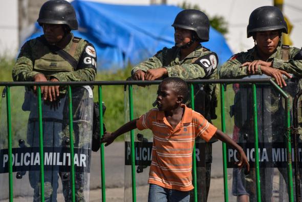 José Carlos López - Tapachula, no México, torno-se numa prisão para os migrantes africanos.