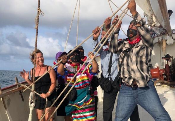 A viagem no barco La Montaña durou 50 dias (Enlace Zapatista)