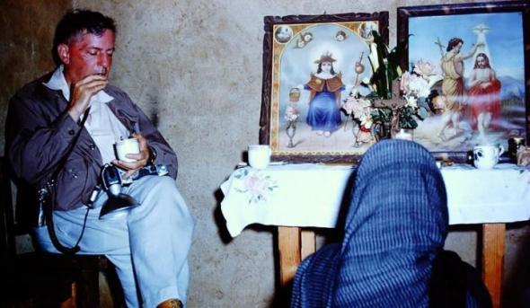 Em 1955, o norte-americano Robert Gordon Wasson visita Maria Sabina