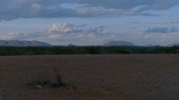 Fotograma de vídeo gravado por Maureen Fazendeiro em Canudos