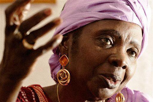 Aminata Sow Fall.  Une grande dame des Lettres africaines. Auteur d'œuvres importantes qui dépassent les frontières africaines, elle s'est également engagée dans la modernisation culturelle de son pays.