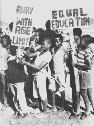 (Children Demonstration against the educational system in Tsakane)