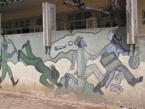 muro do hospital militar de Luanda.