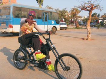 Sebem in Jorge António's documentary, Kuduro, Fogo no Musseke, Luanda, 2007.