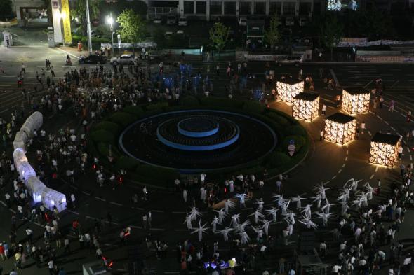 'Spring', 7 Bienal de Gwangju, Coreia do Sul, 2008. Foto de Cheolhong Mo, Cortesia Gwangju Biennale Foundation.