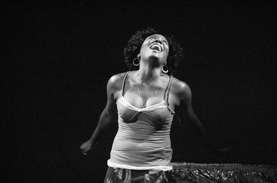 QUATRO E TRINTA, Teatro Miragens, Luanda.