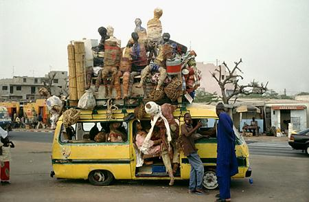 Dominique Zinkpè, Taxis Zinkpè, Dakar, 2002 Foto. Christian Hanussek 2002