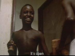 FIGURA 3 _ Amílcar após abrir a porta.