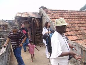 Roça Agua Izé, Waldir Araújo, Cláudia Clemente e Ungulani Ba Ka Khosa, foto de Catita